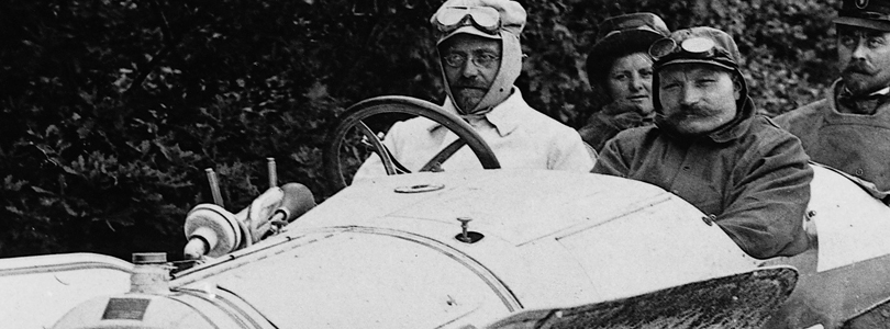"August Horch steering his Horch 11 ""Torpedo"" at the ""Prinz-Heinrich-Rundfahrt"" race in 1908"